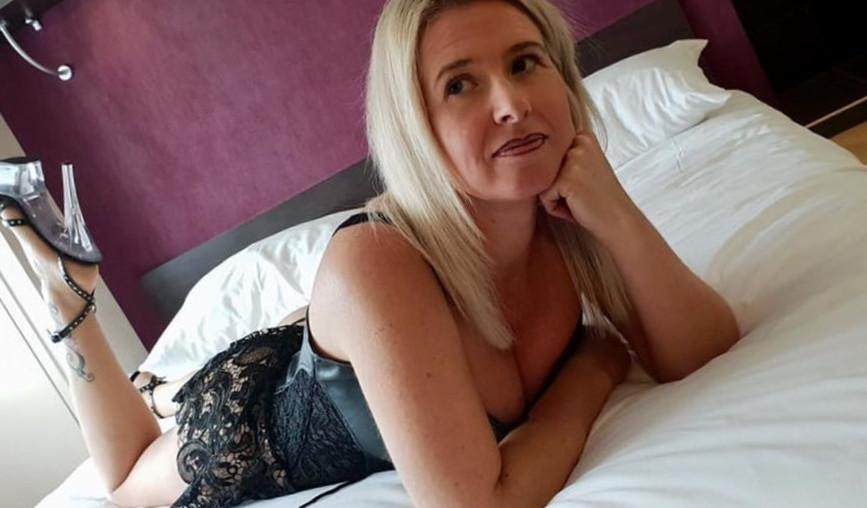 Knappe vrouw uit Scheveningen zoekt date